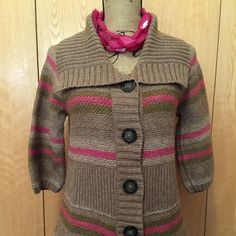 3/4 Sleeve Button Up Sweater Super cute! Old Navy Sweaters Cardigans