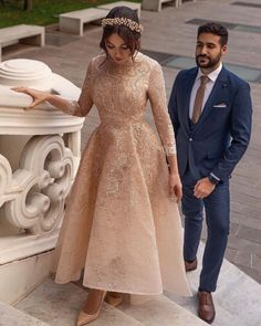 Fancy Wedding Dresses, Short Lace Wedding Dress, Pretty Prom Dresses, Wedding Dress Trends, Elegant Wedding Dress, Lace Dress, Stylish Dresses, Elegant Dresses, Fashion Dresses