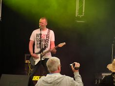Kickbacks Jamie Ball performing at Lakefest 2012