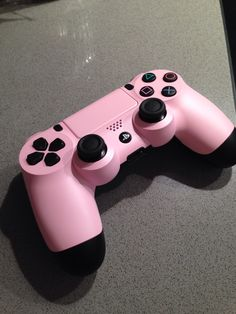 #colorware custom PS4 controller <3