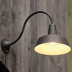 Außenlampe aus Schmiedeeisen mit Bogenarm WL 3604 von Robers - Außenleuchten: Abgebildet in Eisen Natur: Außenlampe aus Schmiedeeisen mit Bogenarm WL 3604