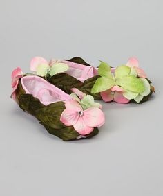 How easy would it be to cover a pair of old shoes in silk leaves and flowers to make fairy slippers?