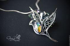 """Купить Кулон с аммолитом """"На крыльях"""" - комбинированный, радужный, аммолит, серебряный, серебряный кулон"""