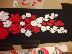 Diy And Crafts, Crafts For Kids, 8 Martie, Classroom Decor, Paper Flowers, 3 D, Origami, Techno, Artwork