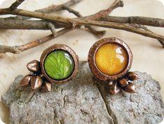 Яркие кольца из шапочек желудей с листьями by one-green-smile