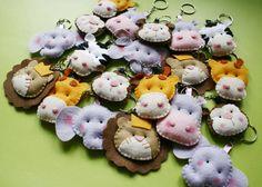 Pin by Humary Motta on llav Diy Arts And Crafts, Felt Crafts, Crafts To Make, Diy Crafts, Felt Owls, Felt Animals, Safari Birthday Party, Birthday Party Decorations, Felt Puppets