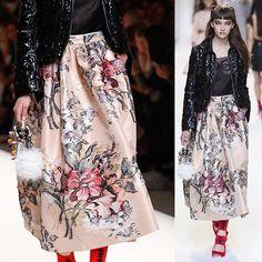 Fendi Spring RTW 2017 @fendi // #fashion #art #couture #fashionweek #runway #style #moda #detail #sequins #details #color #couturefeast #blog #chic #glam #edgy #girly #fashionista #fashionblog #designer #modern #classy #inspiration #hautecouture #trend #accessories #fashionable #flowers #embroidery #fendi