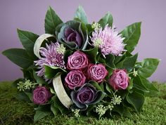 roses and cabbage heads with chrysanthemum Purple Bouquets, Pink And Green, Pink Purple, Green Flowers, Chrysanthemum, Shades Of Purple, Flower Arrangements, Succulents, Cabbage