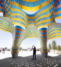 Specialised in parametric design, Marc Fornes / Theverymany has built an iconic canopy for the Westside Natatorium in El Paso. Creative Architecture, Futuristic Architecture, Art And Architecture, Kindergarten Design, Digital Fabrication, Artistic Installation, Paragliding, Art Nouveau, Street Art
