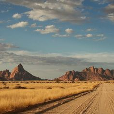 I need to return to this raw natural beauty. Spitzkoppe in Namibia #nature…