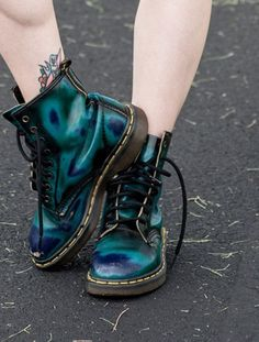 DrMartens DrMartens DrMartens shoes boots metallic shoes ombre shorts holographic blue combat boots grunge green green shoes green boots green oil slick shoes green oil s. Dr. Martens, Dr Martens 1460, Green Dr Martens, Doc Martens Boots, Soft Grunge, Grunge Style, Grunge Goth, Nu Goth, Fashion Shoes