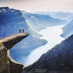 Only couple goals can overcome your fear of heights. So who would dare to stand with you there? Trolltunga love by @kang_pic