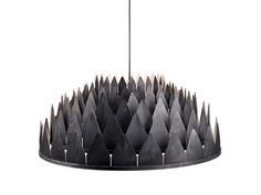 Named after the deep dark Norwegian night-falls, this magical light reminds us of the long shadows cast by the Nordic woods and ancient church steeples, far awa