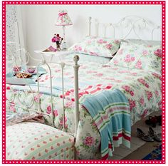 Cath Kidston.....bliss at home..would look fantastic in a cottage!!