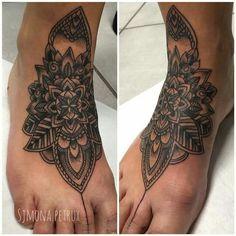 Mandala piede Simona Petrux Simona.petrux@gmail.com Instagram. SIMONA.PETRUX Fb. Simona Petrux Tattoo Sweet Mamba Tattoo Studio ROMA
