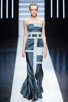 spring 2012 couture  Maxime Simoens (ok, so it's not jewelry but I see jewelry design in this dress!)
