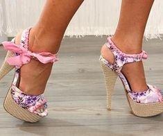 love the woven heel, stilleto combo!