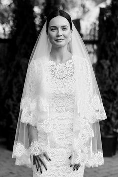 The bride from this royally gorgeous Lithuanian wedding looks like a princess| Image by  Linas Dambrauskas Photography