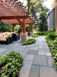 4 Gardens With Spectacular Pergolas and Shade Structures Backyard Fireplace, Backyard Patio, Backyard Landscaping, Landscaping Ideas, Pergola Designs, Patio Design, Garden Design, Design Design, Chicago Landscape