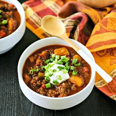 Butternut Squash Chili without beans is the perfect paleo chili recipe! This easy weeknight chili recipe is loaded with flavor and compliant! Primal Recipes, Beef Recipes, Whole Food Recipes, Cooking Recipes, Healthy Recipes, Beef Dishes, Food Dishes, Clean Dinners, Kitchens