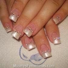 20 ideas of decorated nail designs for brides they use in their marriage designs for brides nails Glam Nails, Cute Nails, Pretty Nails, My Nails, Fabulous Nails, Perfect Nails, Nail Polish Style, Bridal Nail Art, Pearl Nails