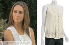 Ghost Whisperer Fashion, Clothes, Style and Wardrobe worn on TV Shows Work Fashion, Retro Fashion, Fashion Clothes, Ghost Whisperer Style, Melinda Gordon, Black Pleated Skirt, Jennifer Love Hewitt, Beautiful Outfits, Beautiful Clothes