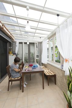 Dirty Kitchen Design, Outdoor Kitchen Design, Interior Design Kitchen, Village House Design, Bungalow House Design, Tiny House Design, Lanai Design, Small Apartment Interior, Living Room Tv Unit Designs