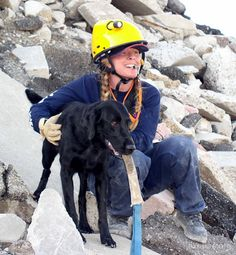 RIP Abby, the last surviving 9/11 search and rescue dog, pictured with her handler Debra of the National Disaster Search Dog Foundation.