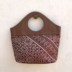 Circle Clutch Burgundy / Taupe Leather