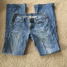 Citizens of Humanity premium denim Size 28, good condition! Boot cut/flare leg. Inseam is 31-31.5 Citizens of Humanity Jeans