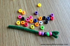 An easy 'The Very hungry Caterpillar' craft for toddlers and preschoolers. A good kids activity for a Spring, bug or growing themed project. The Very Hungry Caterpillar Activities, Caterpillar Art, Hungry Caterpillar Craft, Creative Curriculum Preschool, Free Preschool, Preschool Crafts, Printable Leaves, Free Printable