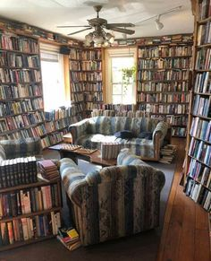 Reading Room Decor, Reading Nook, Bookshelves, Bookcase, Country Cottage Interiors, Library Inspiration, Library Room, Book Nooks, Home And Living