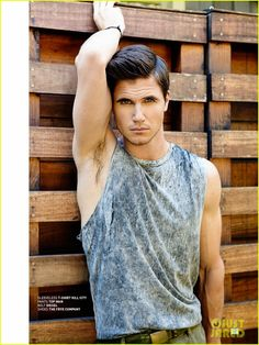 Robbie Amell: Shirtless for 'Bello' Feature!: Photo Robbie Amell shows off his ripped shirtless body in this brand new feature for the August 2013 issue of Bello mag, out on iTunes now. Amell Brothers, Robie Amell, Beautiful Men, Beautiful People, Amazing People, Toronto, Look Man, Hot Actors, The Duff