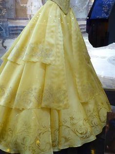 Beauty and the Beast Belle yellow dress detail