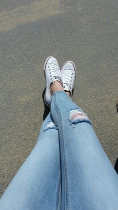 All Star Converse and cropped, ripped skinny jeans