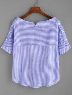 Blusa con cuello barco de rayas con botones -Spanish SheIn(Sheinside) Sitio Móvil