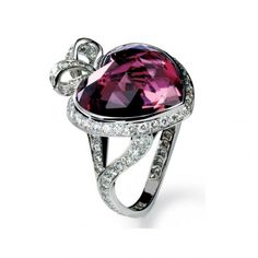 Celebrities who use a Christian Dior 'Coeur Romantique' Tourmaline and Diamond Ring. Also discover the movies, TV shows, and events associated with Christian Dior 'Coeur Romantique' Tourmaline and Diamond Ring. Heart Jewelry, Jewelry Rings, Jewelry Accessories, Fine Jewelry, Unique Jewelry, Heart Ring, Pretty Rings, Beautiful Rings, Dior Ring