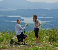 Man Surprises His Girlfriend With Proposal On Hike - KHQ Right Now - News and Weather for Spokane and North Idaho |