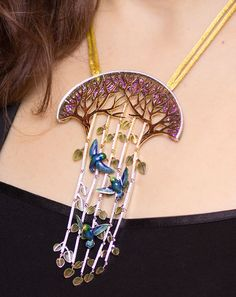 ILGIZ F.: It's All About the Enamel. hummingbird necklace, vitreous enamel with diamonds.