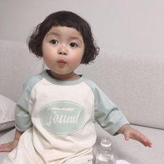 @jinmiran_ • Instagram fotoğrafları ve videoları Cute Asian Babies, Korean Babies, Cute Babies, Cute Baby Meme, Cute Love Memes, Cute Little Baby, Little Babies, Baby Kids, Ahegao Manga