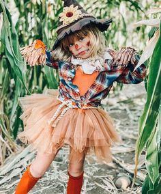 Toddler Scarecrow Costume, Unique Toddler Halloween Costumes, Diy Girls Costumes, Halloween Costumes Scarecrow, Halloween Kostüm, Toddler Girl Halloween Costumes, Baby Girl Costumes, Diy Witch Costume, Scarecrow Makeup