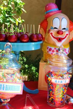 Traveling Circus Party with Lots of Fabulous Ideas via Kara's Party Ideas | KarasPartyIdeas.com #CarnivalParty #BigTopParty #PartyIdeas #Circuspartysupplies