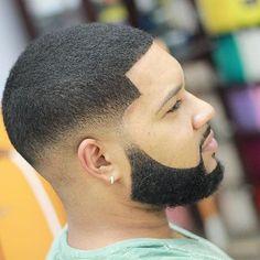 Haircut: Mid skin fade and faded beard Product used: Elegance Shaving gel. #eleganceteam #barberlife #barberlove #fade #faded #beardgang #barbergang #beardlife #cleancutsdaily #blurryfades #showcasebarbers #internationalbarbers #nationalbarbers #nationc