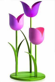 Tulppaani-somiste Tuikkiville   P92136 Tulppaani-somiste Tuikkiville  Mattapintaista metallia. Kolme kukkaa alustalla, kukat ovat eri muotoisia ja eri  värisiä. Kukkien korkeudet: 30 cm, 25 cm, 20 cm. (Tuikkiva)    Voimassa 15.2.-21.3.2016.  Tarjoustuotteita ei voi ostaa lahjakorttiostona.   Tarjoustuotteita myydään niin kauan kuin kampanjaan varattua erää riittää.  Alennetut hinnat näet ostoskorissasi.    Hinta: 49,90 €