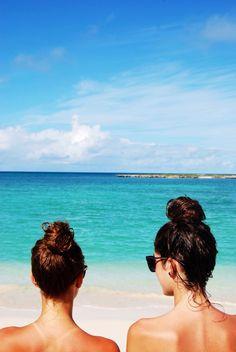 Messy buns and summer vibes💛 Summer Vibes, Summer Sun, Summer Of Love, Summer Beach, Beach Girls, Beach Bum, Beach Glow, Beach Hair, Ocean Beach