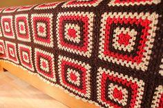 Tığ işi yatak örtüsü Manta Crochet, Crochet Granny, Crochet Designs, Crochet Patterns, Crochet Table Mat, Doilies, Projects To Try, Blanket, Sewing