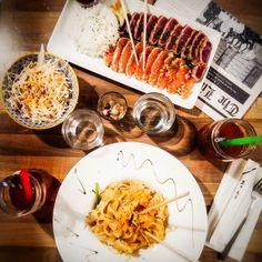 Impatient to spend the day to celebrate @laureen_gazio birthday at @littlekoi_restaurant tonight !  Impatiente d'être a ce soir pour fêter l'anniversaire de ma copine Laureen au little koi !  #food #asianfood #littlekoi #restaurant #dinner #miam #yummy #instafood #foodista #tataki #padthai #grenoble #picoftheday #instapic #picture #eat #healthyfood #foodlover  #friends #bloggerfrance #bubbletea by limpatiente