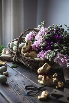 A Rustic Easter Basket for 2017 - The Kitchen McCabe Easter Decor Easter Crafts For Kids, Easter Ideas, Easter Decor, Easter Recipes, Easter Flower Arrangements, Easter Parade, Cute Home Decor, Easter Table, Craft Stick Crafts