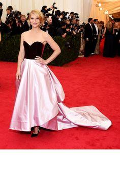 Met Gala 2014 Red Carpet Dresses - Best Red Carpet Fashion Met Ball 2014 - Harper's BAZAAR    Designer: Oscar De La Renta
