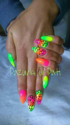 Nail art Christmas - the festive spirit on the nails. Over 70 creative ideas and tutorials - My Nails Neon Nail Art, Neon Nails, Cute Nail Art, Cute Nails, Pretty Nails, My Nails, Ongles Bling Bling, Bling Nails, Neon Nail Designs